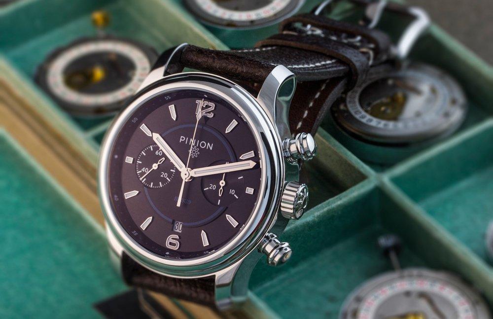 Pinion R-1969 watch